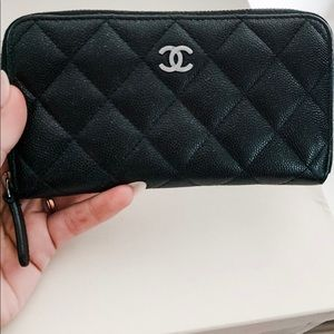 Chanel caviar leather zip wallet